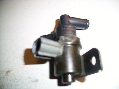 2001-03 Toyota Highlander Vacuum Switch Valve # 90910-12251