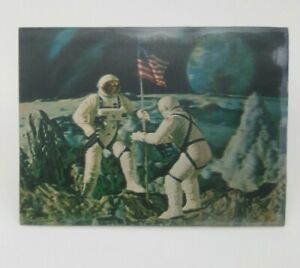 VINTAGE-NASA-MOON-LANDING-POST-CARD-HOLOGRAM-RARE