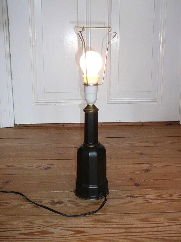 Anden arkitekt, Heiberg lampe sjælden sort farve,