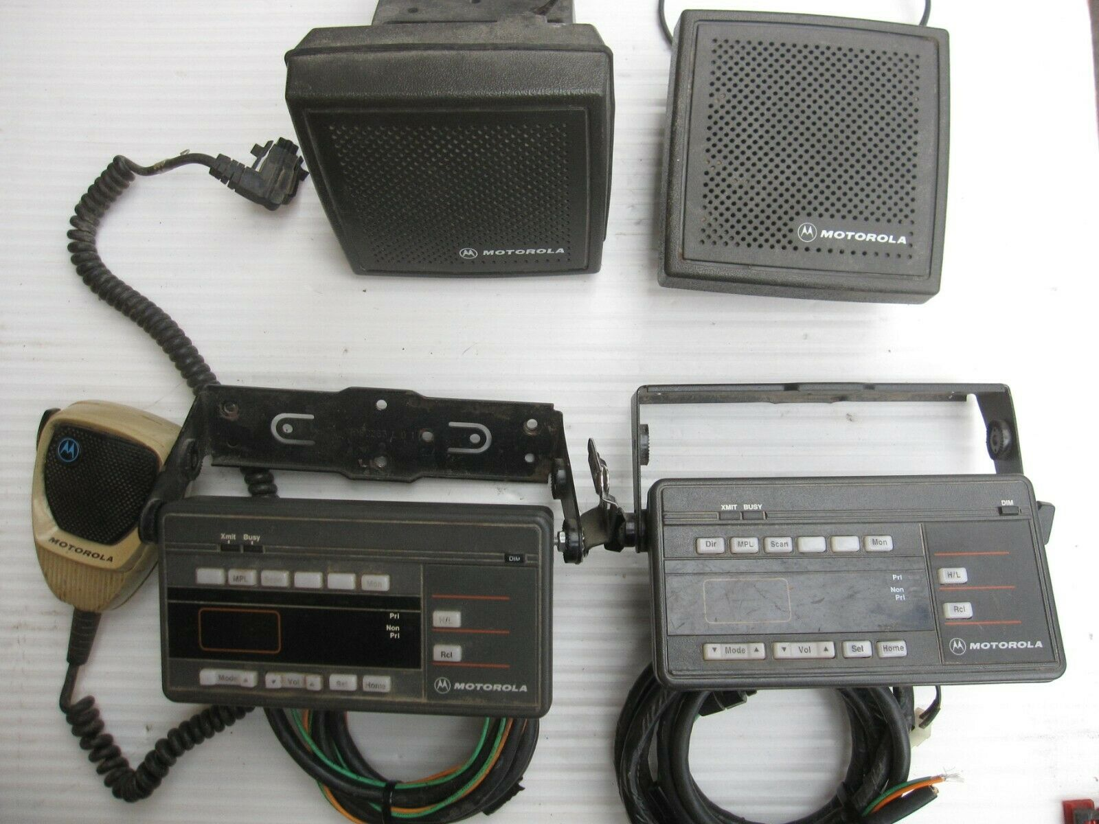Mixed Lot Motorola Maratrac HCN1089A(2),HSN4021A/B Speaker(2),HMN1061A. Buy it now for 70.00