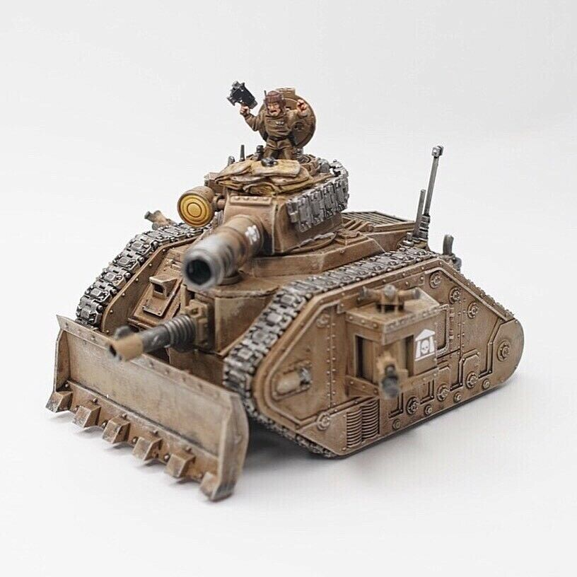 Warhammer 40K Pro Painted Lehomme  Russ Tank  en bonne santé
