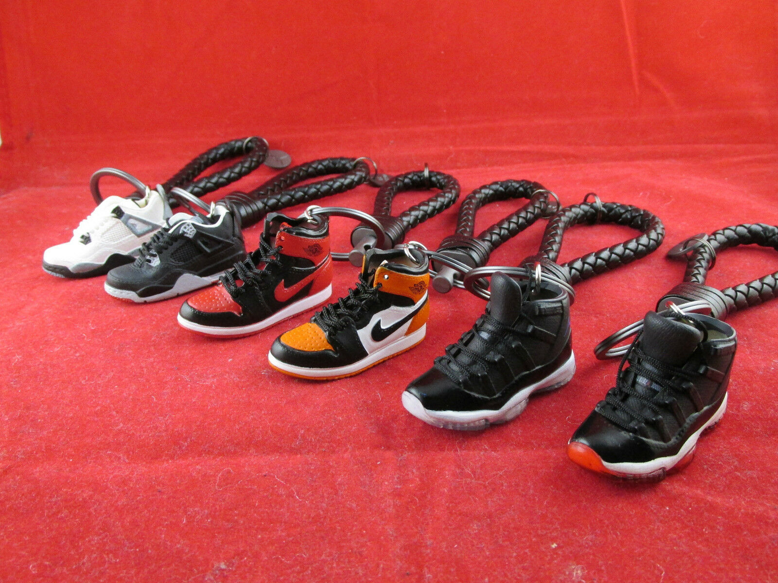 Nike Air Jordan 3D Mini Sneaker Läder Nyckelring Banned SpaceJam SportsLocker