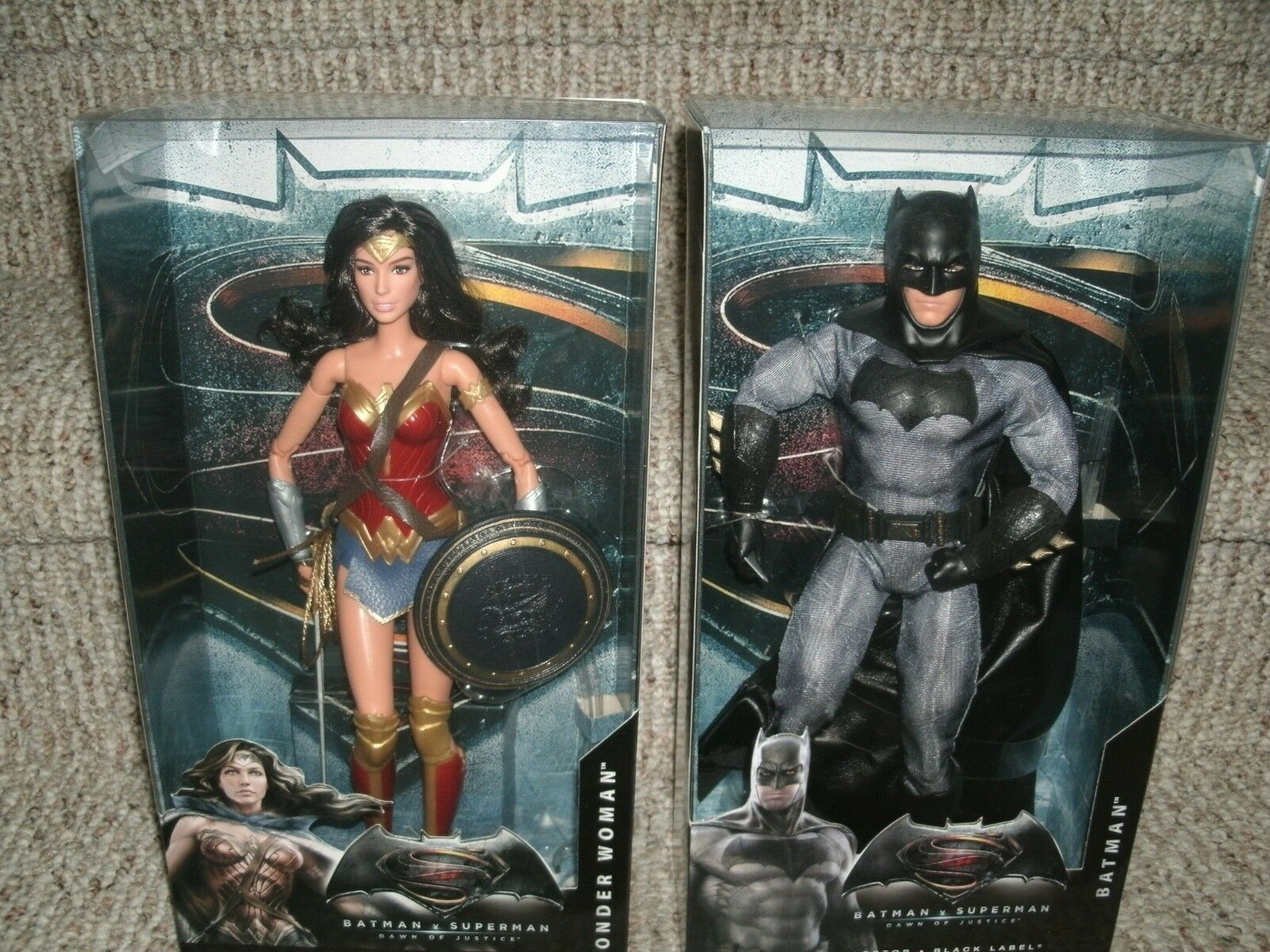 Wonder Woman & Batman Dawn of Justice Mattel Barbie schwarz label dolls NIP