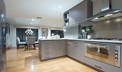 NEW !  COMPLETE  KITCHEN.....$20,000 Value .... with Benchtops....WOW !