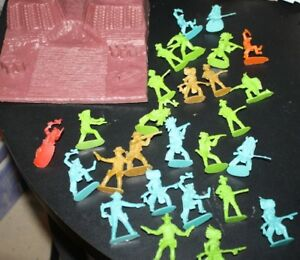 Cowboy-amp-Indian-Play-Set-Lot-amp-Plastic-Mountain-25-pcs-Western-Old-West-FFFF