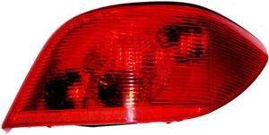 Peugeot-307-Heckleuchte-rechts-Ruecklicht-Beifahrerseite-Rueckleuchte-Bremslicht