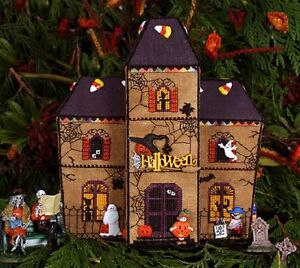 Gingerbread-Haunted-House-Part-6-of-Gingerbread-Village-The-Victoria-Sampler