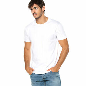 Camiseta-escote-redondeado-en-canale-con-dobles-pespuntes-hombre-013047