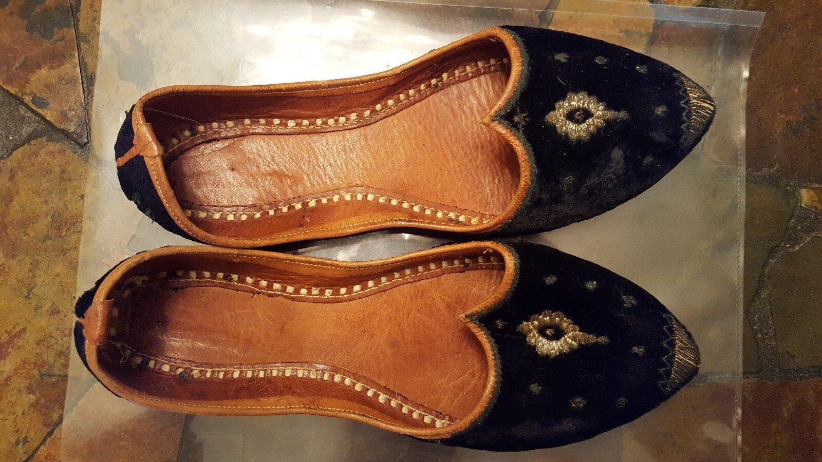 Coleccionable, Vintage, cuero, terciopelo y seda, hecho hecho hecho a mano en la India pisos, tamaño 4  precios mas baratos