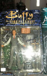Figurine Autographe de Buffy la tueuse de vampires Giles Anthony