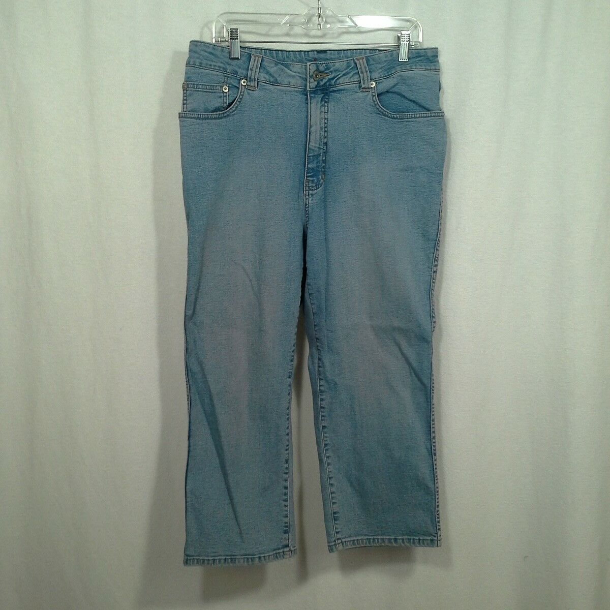 Jag womens jeans Size 14W short Light bluee wash Straight leg Stretch