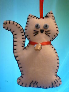 HAND-MADE-SHABBY-CHIC-1-X-FELT-WHITE-CAT-with-BELL-HANGING-DECORATIONS