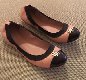 133bacb9d5e Tory Burch RARE Tan   Black Jolie Flats Sz 8.5 Retail  225 SOLD OUT ...