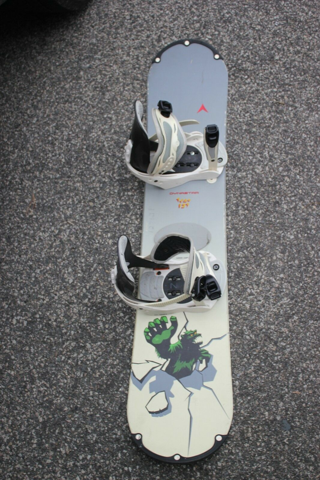 Dynastar team 127 Snowboard with m  o-sin bindings