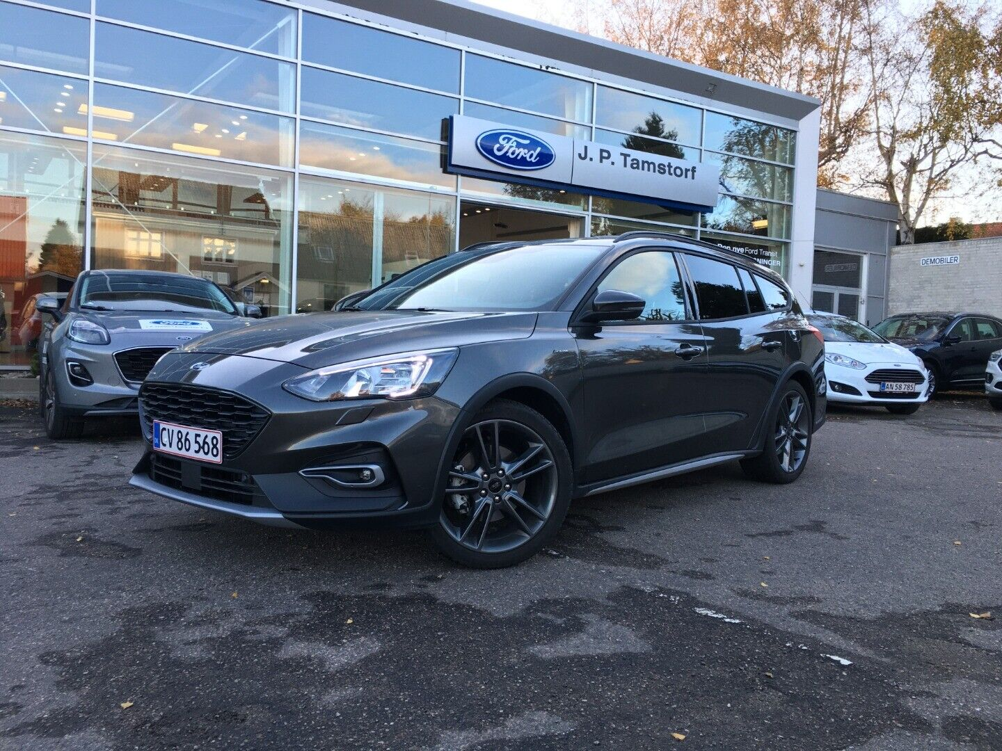 Ford Focus 1,0 EcoBoost mHEV Active X stc. 5d - 294.900 kr.