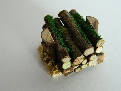 HH3 1//12th scale DOLLS HOUSE HANDMADE STACK OF LOGS