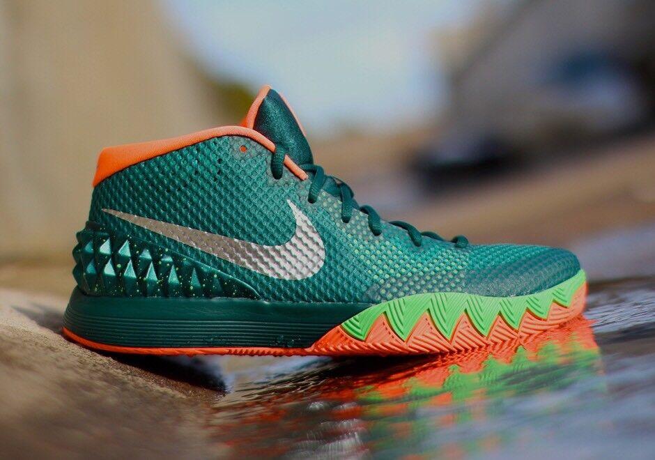 Nike Kyrie 1 Venus Flytrap Emerald Green Irving Basketball shoes 705277-313 Sz 12