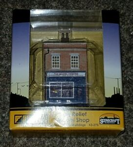 N-Gauge-Graham-Farish-42-275-Scenecraft-Low-Relief-Model-Shop-Pre-Built