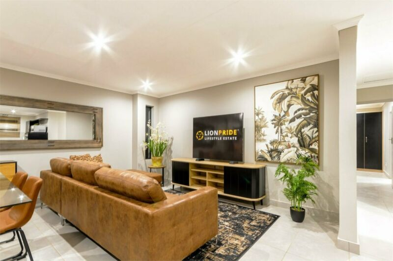 Simplex in Cosmo City For Sale