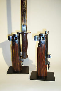 Support-display-stand-for-Enfield-N-1-mk3-bayonet