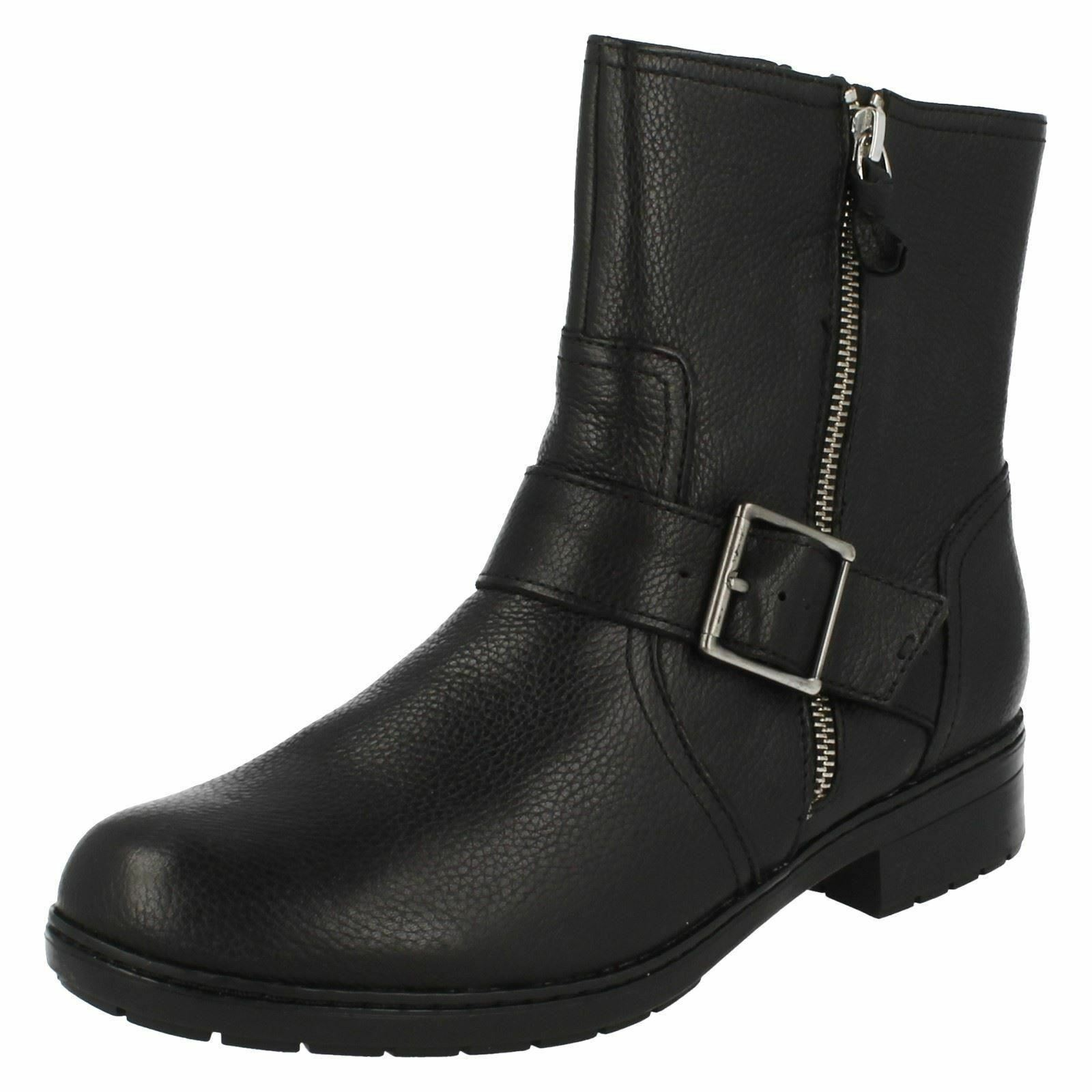 Ladies Clarks Merrian Lynn Black Leather Zip Up Casual Ankle Boots