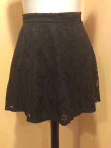 Forever-21-Black-lined-lace-mini-skirt-Small