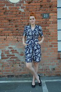 7e2c1a2b17eb55 Kenntnisreich Overall Jumpsuit Anzug Blumenmotiv Blau Weiß Flowers 90er True  Vintage 90´s Schnelle Farbe Kleidung & Accessoires Vintage-mode Für Damen
