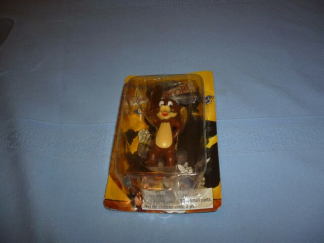 2005 VINTAGE RENDITION OF JERRY MOUSE FIGURE W/ CUT OUT MINI POSTER ON BACK