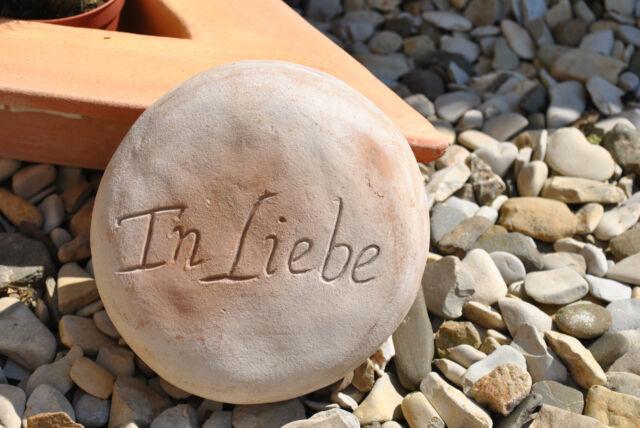 """Stein aus brauner Terracotta mit Beschriftung /""""die Erinnerung bleibt/"""",15cm"""