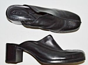 CLARKS-SZ-10-M-BLACK-LEATHER-MULES-HEELS-SLIP-ONS-SHOES