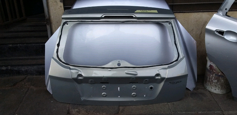 FORD FIGO TAIL GATE FOR SELL AUTO SPARE PARTS 0834266130