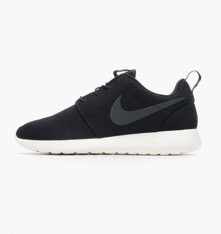 Nike Roshe One Black White Sail 511881-010