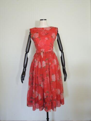 Vintage 1950s Jerry Gilden Red Rose Floral Sleevel
