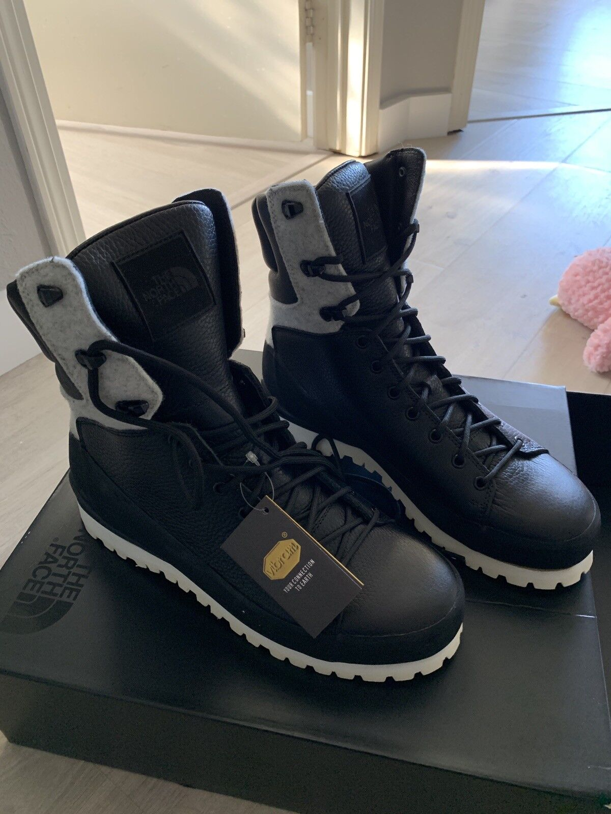 The North Face Men Hiker Cyros shoes  10.5