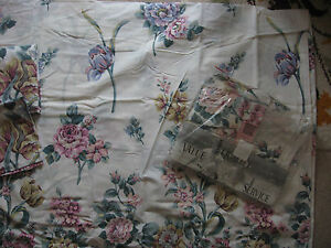 NEW-KING-SIZE-DUVET-COVER-TWO-PILLOWCASES-amp-DOUBLE-VALANCED-SHEET-FLORAL-CHELSEA
