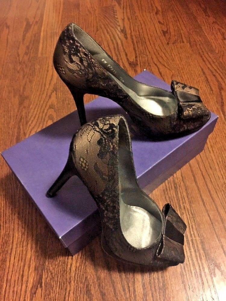 Stuart Weitzman Size 7.5 Black Lace Leather Bow Pumps