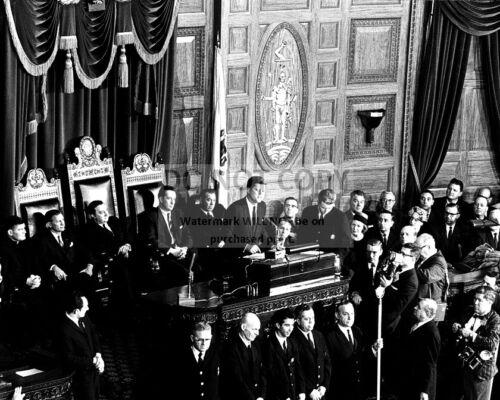 8X10 PHOTO ZZ-038 JOHN F KENNEDY ADDRESSES GENERAL COURT OF MASSACHUSETTS