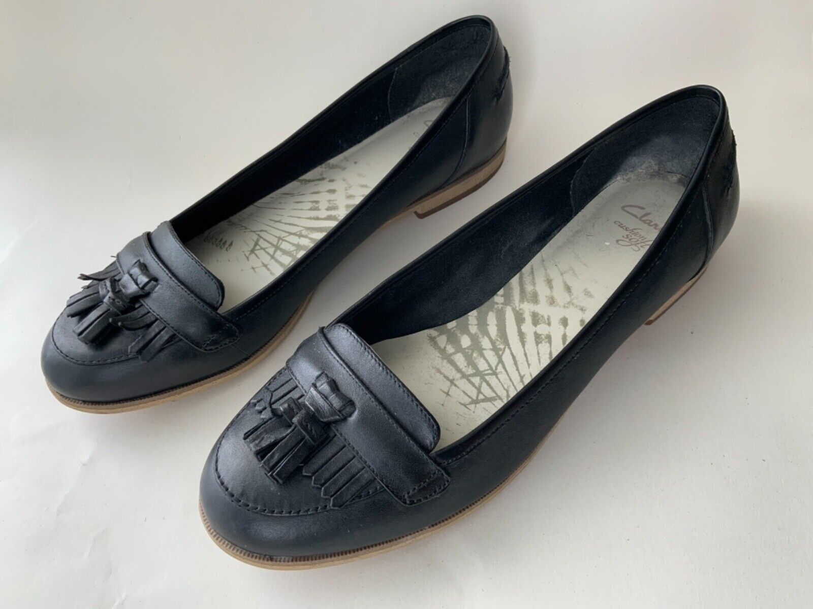 WOMENS SHOES CLARKS Flats Low Heel LOAFER 7.5 Black Leather Brogue Soft