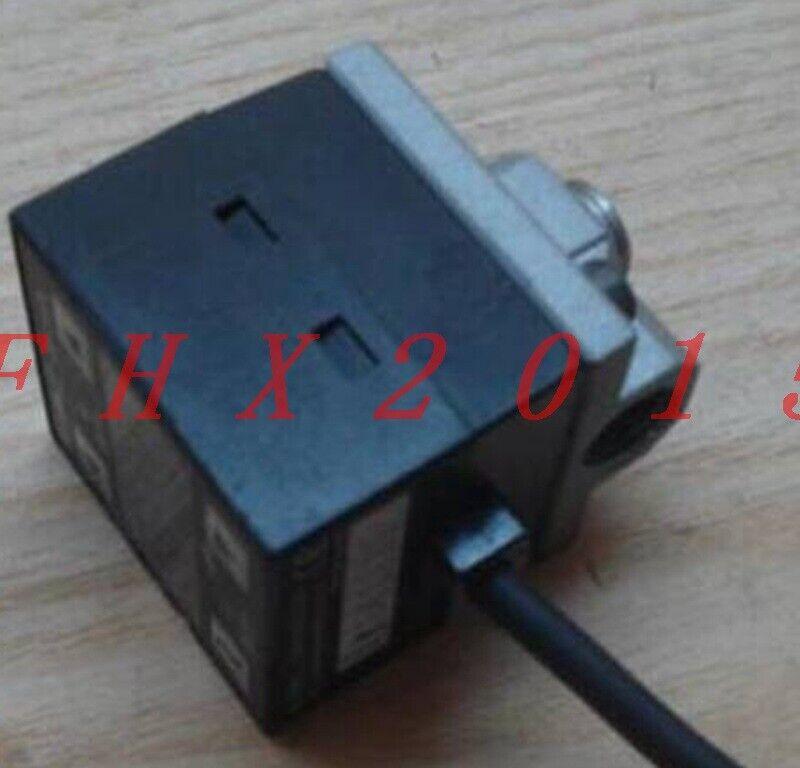 ONE USED Keyence Pressure Sensor AP-31ZA USED
