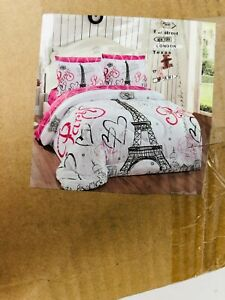 Better Home Style Paris Eiffel Tower Bonjour Design 7 Piece Comforter Set