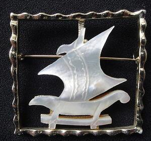 Vintage-Coro-Mother-of-Pearl-Sailing-Ship-Pin