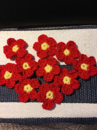 Handmade Crocheted petites fleurs acrylique rouge 4 cm Pack de 10
