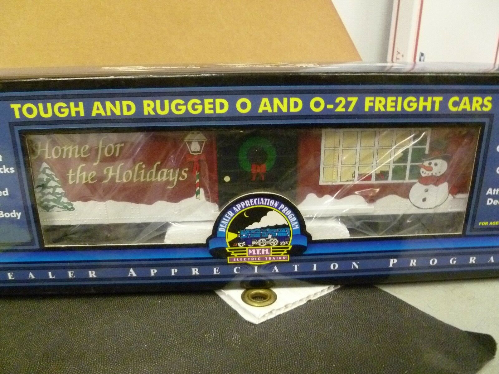 O Scale-Lot No. 91- MTH_  2000 D.A.P.  Christmas Box Car  in Box