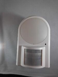 Automatische-Leuchte-eingebauter-PIR-Passiv-Infrarot-Detektor-Infrarotleuchte