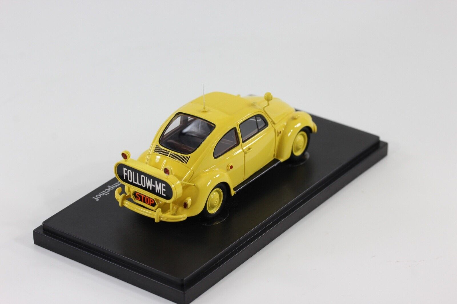 Autocult VW Beetle 1200  FolFaible me  BERLIN-TEMPELHOF  1954 1 43 autocult 12007  branché