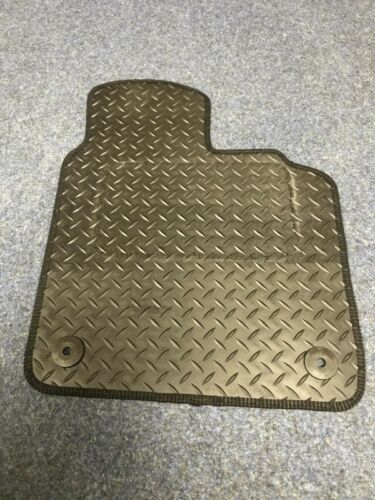 RUBBER DRIVERS FLOOR CAR MAT TAILORED 2 Clip VOLVO V50