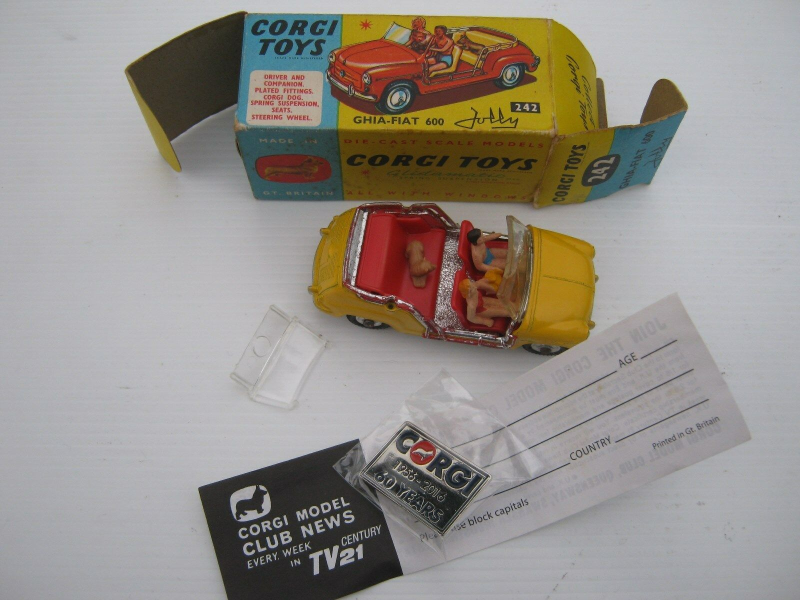 CORGI 242 fiat jolly 600 1965 very rare All Original not Comme neuf as described