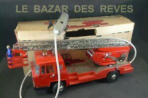 JOUSTRA. Camion de pompiers BERNARD. (version électrique) + Boite.