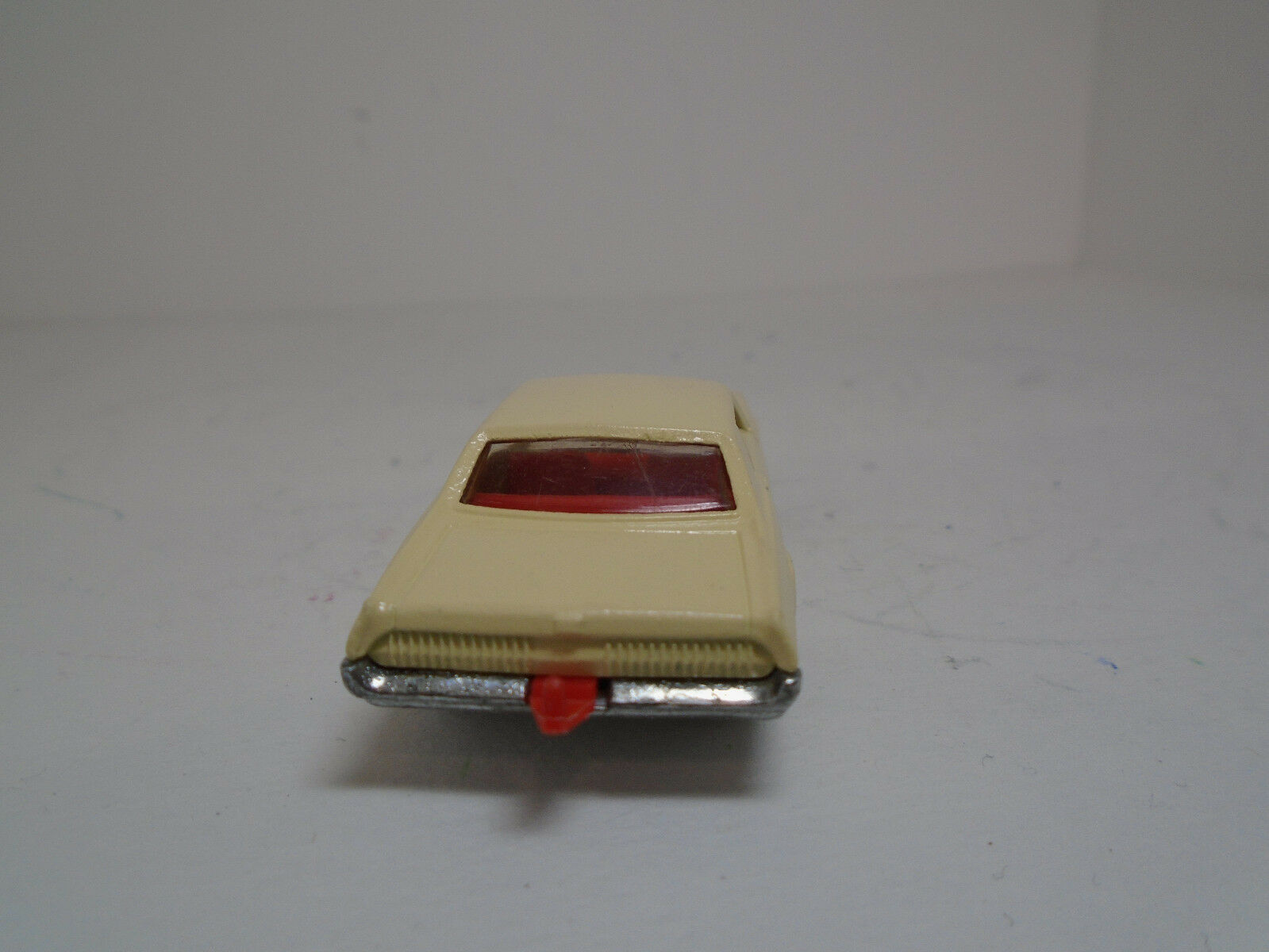 LESNEY Matchbox C Restored-Modified Green Cougar to to to Rare Butter Cream Cougar. 5deea5