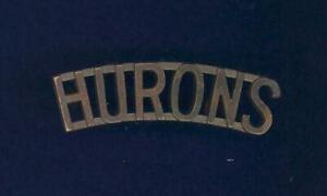 Huron-Regiment-034-HURONS-034-1926-issue-bronze-shoulder-title-badge-scarce